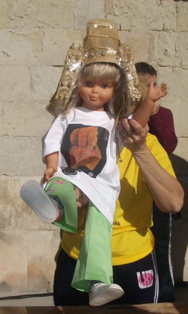 Objeto - Muñeca disfrazada de Dama