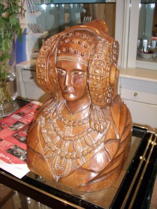 Escultura - Dama de madera