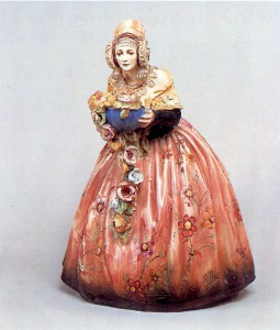 Cerámica - Escultura decorativa de una valenciana