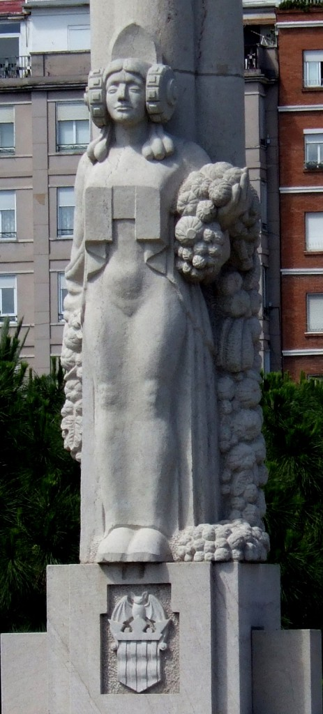 Escultura - Valencia ofrendando sus riquezas