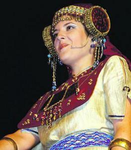 Dama viviente - Himilce (Aurora García)