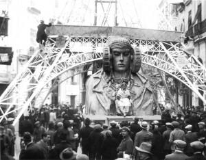 """Escultura - Dama de Elche Falla 1929 """"Juego de Damas"""""""