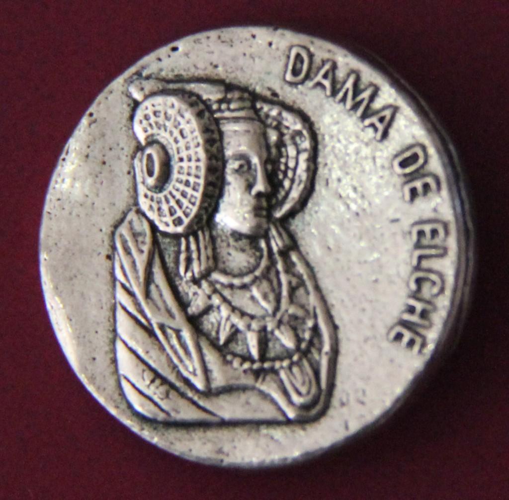 Objeto - Insignia Dama de Elche