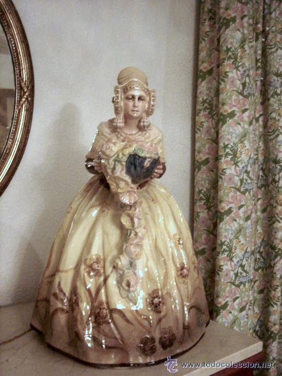 Escultura decorativa de una valenciana c tedra dama d 39 elx - Escultura decorativa ...