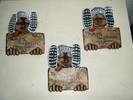 Escultura - la dama de Elx envía una de las señas del sarangollo