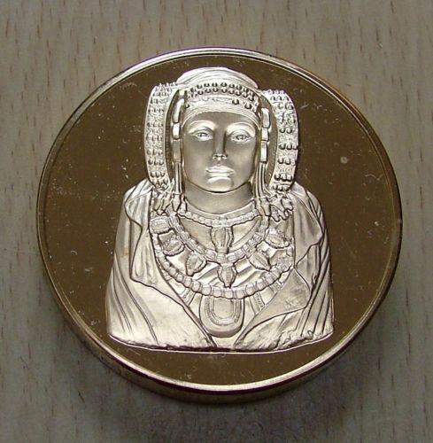 Objeto - Medalla Dama de Elche