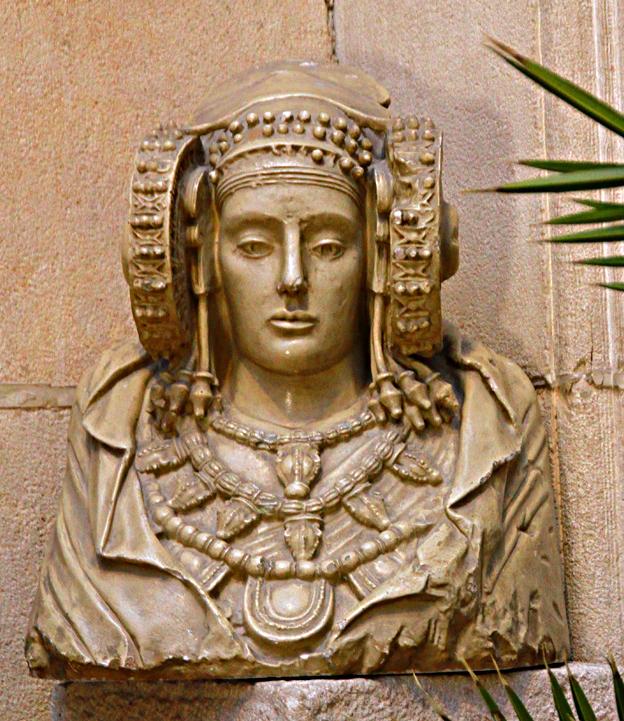 Escultura - Réplica de la Dama de Elche
