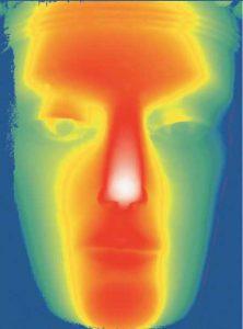 Ilustración 31. Información codificada por colores indicando el relieve de la superficie. Los distintos renderizados de la información 3D pueden significar nuevas fuentes de investigación para los conervadores y estudiosos. El proyecto Duple consiste en clonar la Dama de Elche mediante el digitalizado de toda su superficie a alta resolución para posteriormente