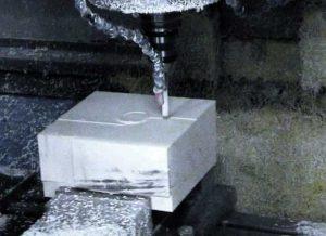 Ilustración 45. Primeros pasos del fresado de los rodetes. El fresado se llevó a cabo en los talleres de Delcam UK usando bloques de poliestireno de alta densidad. El proyecto Duple consiste en clonar la Dama de Elche mediante el digitalizado de toda su superficie a alta resolución para posteriormente