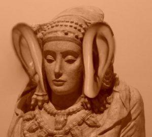 4256-dama-elche-oreja-soplillo2
