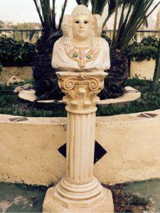 4307-Dama de elche, sobre columna